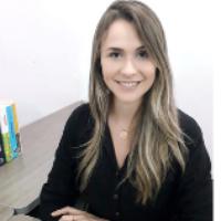Graduada em Psicologia pela Universidade Luterana do Brasil, atua na área clínica com terapia cognitivo comportamental com ênfase em esquemas. Atuou na área de psicologia no Hospital de Clínicas Porto Alegre - HCPA - unidade de dependência química. Possui experiência na área hospitalar, saúde pública, escolar e clínica.