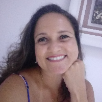 Psicóloga clínica especializada em terapia cognitivo-comportamental, com formação em transtornos do impulso e no método friends (australiano) para a prevenção e tratamento de ansiedade, depressão e fortalecimento da resiliência de crianças e adolescentes.
