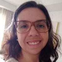 Meu nome é Andressa Fidelis, sou psicóloga, e meu trabalho é ajudar pessoas como você a reencontrarem o sentido diante da dor da perda. É provável que a vida nunca seja exatamente como antes mas, ainda assim, ela pode continuar fazendo sentido. Vamos conversar?