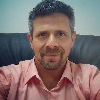 Me chamo Alexandre Pedro, sou Psicanalista, Hipnoterapeuta e Master Practitioner de PNL.  Utilizo como base do meu protocolo a Programação Neurolinguística, Psicanálise e a Hipnose, trabalhados em conjunto, tornando o processo ainda mais eficaz. Trata-se de um tratamento rápido (normalmente 3 sessões) e consistente que atua nas causas dos problemas com 90% de feedbacks positivos em mais de 2000 clientes atendidos. O protocolo é totalmente consciente e auxilia o cliente a desconstruir e ressignificar as causas das seguintes questões:  - Psicológicas Depressão, Medos, Fobias, Ansiedade, Estresse, Tristezas, Pânico, Perdas e Luto.  - Físicas Excesso e falta de peso, Distúrbios alimentares, Dores crônicas, Doenças autoimunes, Falta de energia  - Comportamentais Insegurança, Baixa Autoestima, Dificuldades para falar em público, Instabilidade de humor, Problemas de relacionamento, Sexualidade, Excesso de ciúmes, Vícios, Dificuldades de concentração e de memorização  - Questões não diagnosticadas Normalmente, questões sem diagnóstico estão relacionadas a questões emocionais