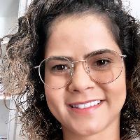 Fernanda Júlia Santos Psicóloga Clínica - Atendimento de crianças, adolescentes e adultos. Mestre em Psicologia - Cognição e Comportamento (UFMG) Especialista em Terapia Cognitivo-comportamental na infância e adolescência (InTCC)